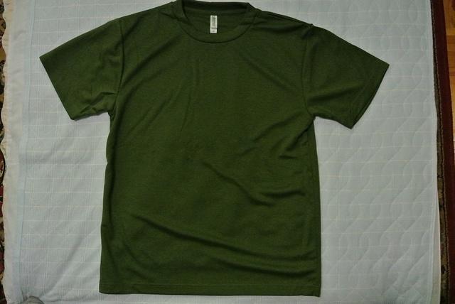 Tシャツ オリーブ.jpg